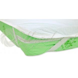 Непромокаемый наматрасник с резинками по углам фото